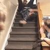 Mec bourré dans les escaliers