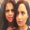Demi Lovato et Selena Gomez grimace